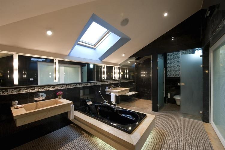 Website_ACH_EastHouse Bathroom